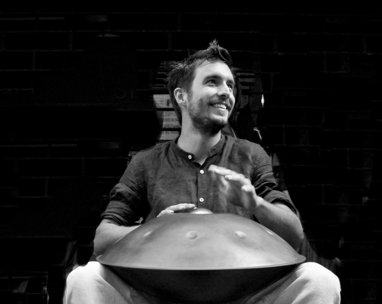 Paolo Borghi Hang Player